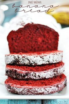 Red Velvet Banana Bread Is Weight Watchers. Use red velvet cake mix, bananas and a powdered sugar glaze makes this he festive bread! Mini Desserts, Just Desserts, Delicious Desserts, Dessert Recipes, Yummy Food, Oreo Dessert, Dessert Bread, Bread Cake, Red Bread