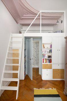 Mezzanine Design, Mezzanine Loft, Mezzanine Bedroom, Small Loft Bedroom, Home Bedroom, Small Apartment Interior, Small Apartments, New Homes, House