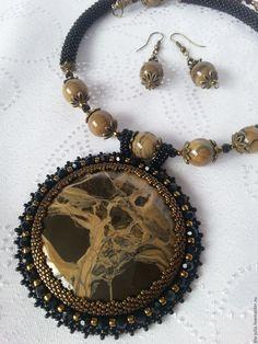 Купить Колье с сенгилитом - коричневый, черный, золотой, сенгилит, бусины, комплект украшений, ручная работа