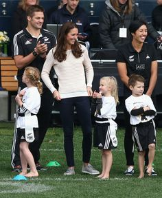 Kate Middleton - The Duke And Duchess Of Cambridge Tour Australia And New Zealand - Day 7