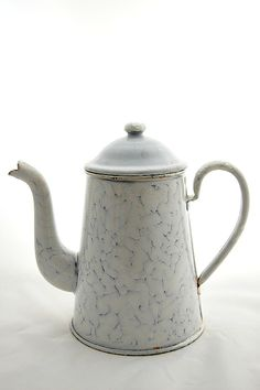 coffeepot+white+2.jpg 532×800 pixels