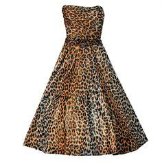1950's Nettie Rosenstein Metallic Leopard-Print Strapless Full Dress (€450) ❤ liked on Polyvore featuring dresses, strapless leopard print dress, white color dress, leopard print dress, metallic dress and strapless dress