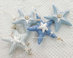 bomboniere comunione stile marino - Cerca con Google Sea Crafts, Diy And Crafts, Arts And Crafts, Fabric Crafts, Sewing Crafts, Sewing Projects, Shabby Chic Quilts, Fabric Fish, Deco Marine