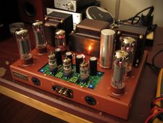 vintage Dynaco ST-70 vacuum tube stereo amplifier