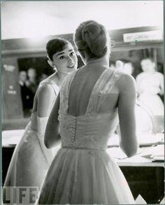 Audrey & Grace, 1956 Oscars