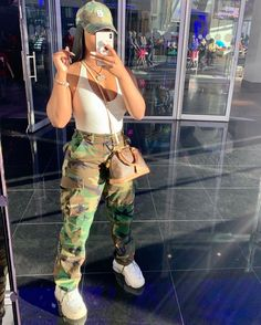 casual date outfit Boujee Outfits, Baddie Outfits Casual, Chill Outfits, Cute Swag Outfits, Dope Outfits, Teen Fashion Outfits, Retro Outfits, Summer Outfits, Swag Fashion