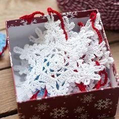 Crochet Snowflakes, Crochet Doilies, Knit Crochet, Winter Christmas, Christmas Time, Christmas Decorations, Christmas Ornaments, Holiday Decor, Diy Crafts