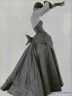 Ball gown by Jacques Fath, Spring 1950.