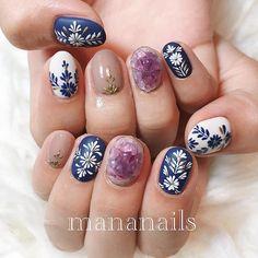 embroidery & amethyst Stylish Nails, Trendy Nails, Cute Nails, Round Nail Designs, Nail Art Designs, Nail Manicure, Gel Nails, Henna Nails, Round Nails