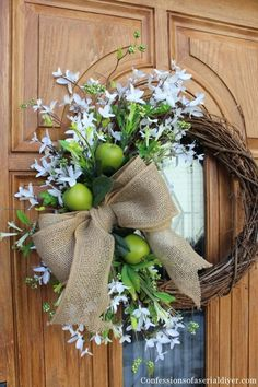 Simple Spring Wreath http://www.confessionsofaserialdiyer.com/simple-spring-wreath/