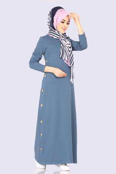 Modaselvim ELBİSE Yanları Düğmeli Elbise 5606MP186 İndigo Frock Fashion, Beachwear Fashion, Abaya Fashion, Cardigan Fashion, Fashion Dresses, Iranian Women Fashion, Islamic Fashion, Muslim Fashion, Abaya Mode