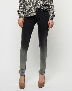 Koop Jeans - Sharp IB Black/Grey Online op shop.brothersjeans.nl voor slechts € 185,00. Vind 65 andere Denham producten op shop.brothersjeans.nl.