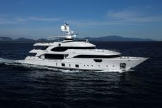 The fifth Benetti Crystal Motor Yacht MR D – to date built in seven units – and part of Class full displacement range of Benetti current production will make her U. debut at next 2016 Yachts Miami Beach Show. Benetti Yachts, Luxury Yachts, Sport Boats, Private Yacht, Yacht Boat, Yacht Design, Super Yachts, Motor Boats, Catamaran