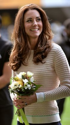 Kate Middleton Photos - The Duke And Duchess Of Cambridge Tour Australia And New Zealand - Day 7 - Zimbio Princesse Kate Middleton, Kate Middleton Hair, Kate Middleton Outfits, Kate Middleton Photos, Diana, Kate And Pippa, Prince William And Catherine, William Kate, Herzog