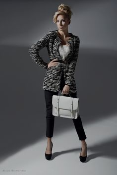 9 Fall Accessories You Never Knew You Needed   Bold Boxy Bag   www.simplebeautifullife.net