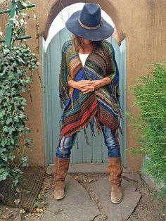 """Heb ik niet zelf gemaakt, kwam ik tegen op Pinterest.  Ribbels breien van """"resten"""" ook mooi in de graniet of gehaakte patentsteek Achterpand ongeveer 120 cm breed en 70-80 cm lang Voorpanden 60 cm breed en 70-80 cm lang . dit type sjaal heet RUANA."""