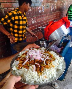 Street side Rajma Chawal! This is killer stuff you will not get this if taste (home being an exception) anywhere else  #eatoutdevout  Tags:  #Chandigarh #Punjab #rajmachawal #streetfood #indianfoodbloggers #indianfood #indiancuisine #foodtalkindia #delhifoodie #mumbaifoodie #bangalorefood #bangalorefoodies #mumbaifood #punefoodie #Punjabifood #chandigarhdiaries #chandigarhfood