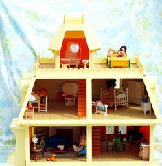 I still have this dollhouse, dolls & furniture!