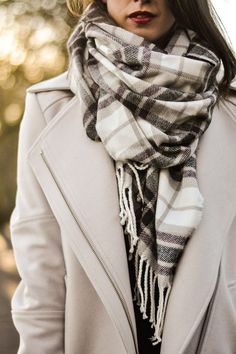 Style Inspiration: NYFW Street Style (via The Simply Luxurious Life)