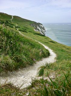 Isle of Wight, England. What a lovely path to walk. Beautiful Islands, Beautiful Places, Places To Travel, Places To See, Provence, Ile De Wight, England, English Countryside, British Isles