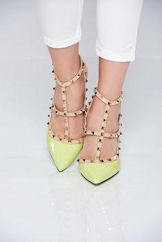 Comanda online, Pantofi cu toc inalt verde-deschis cu tinte metalice. Articole masurate, calitate garantata! Valentino, Classy, Metal, Summer, Shoes, Collection, Fashion, Green, Chic