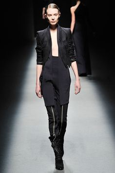 Haider Ackermann Fall 2009 Ready-to-Wear - Collection - Gallery - Style.com