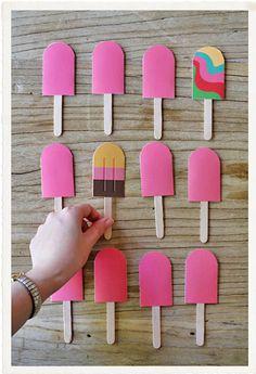 Ideias de atividades para ensinar sobre o verão para as crianças pequenas. Tem dicas de livro, caixa sensorial, vídeo, jogo e mais.
