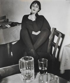 """theshipthatflew: """" Weegee Girl in Greenwich Village Bar, gelatin silver print """" Weegee, Indianapolis Museum, Beatnik, Greenwich Village, Powerful Women, Professional Photographer, Black And White Photography, Photo Booth, Pin Up"""