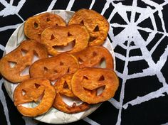 These cute little pumpkins are not difficult to make, and you can play around with your favorite spices on them! Oven 350 degrees Ingredients: 1 Large sweet potato sliced on the thinnest setting wi...