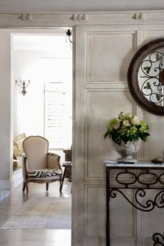 Lee Caroline - A World of Inspiration: An Exclusive Tour of Auckland Interior Designer, Irene Crean's French Provencal Style Home - Part One of Four French Interior, Interior Design, Provence Style, Wall Treatments, Wow Products, Auckland, Great Rooms, Wall Design, Interior Inspiration