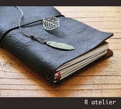 Midori Traveler's Notebook Leather Journal Cover Set – R.atelier