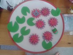Waterlily cake bits