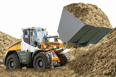 New generation of Liebherr wheel loaders for sugar cane market. This is the L 538 in a special setup with new features and a 7,0 cubic meters bucket.