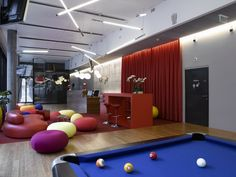 Attractive and Creative office design ideas and Galleries Corporate Office Design, Corporate Interiors, Office Interiors, Google Office, Cozy Office, Office Fit Out, Workspace Design, Office Interior Design, Google Headquarters