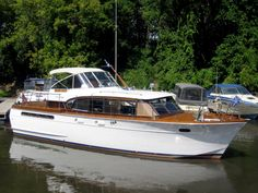 1959 42′ Chris Craft Constellation – $38,000 | St Paul Shipwrights