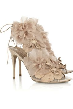 Great Valentino shoes for your wedding. Don't you just love them???