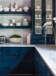 Yellow Kitchen Designs, Rustic Kitchen Design, Cottage Kitchens, Modern Farmhouse Kitchens, Living Room Nook, Living Rooms, Kirkland House, Off White Kitchens, Pantry Inspiration