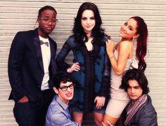Leon Thomas III, Elizabeth Gillies, Ariana Grande, Matt Bennett and Avan Jogia