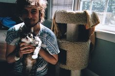 I will always post hipster men with cats. Always.