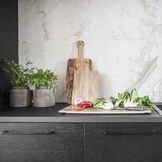 Marmori sopii skandinaaviseen keittiöön! #designtalo #sisustus #keittiö