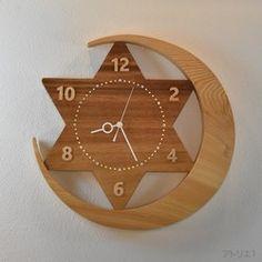 wooden clock and hemp rope. Clock Art, Diy Clock, Clock Decor, Clock Ideas, Homemade Wall Art, Wall Clock Wooden, Kitchen Wall Clocks, Cool Clocks, Modern Clock