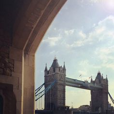Wisps of cloud and an autumn sun above London's Tower Bridge #BurberryWeather 9ºC | 48ºF