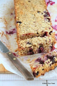 Havermout repen met blauwe bessen - Mind Your Feed Healthy Cake, Healthy Sweets, Healthy Baking, Sweet Recipes, Cake Recipes, Dessert Recipes, Alice Delice, Coffee Cake, Food Inspiration