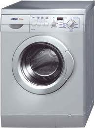 Para que el esmalte de tu lavadora quede blanquísimo, límpiala una vez al mes con una mezcla de agua y bicarbonato. Después aclárala con u...