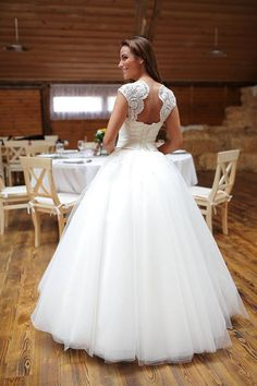 Legújabb Eleonor ruháink egyike  Eleonor Szalon Debrecen Piac utca 19. Tel. 52/319-569 Eleonor Wedding Dress
