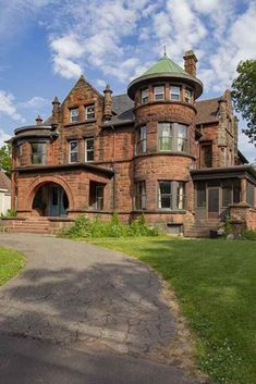 1905 Victorian For Sale In Amherst Nova Scotia — Captivating Houses - Pins Old Mansions, Abandoned Mansions, Abandoned Houses, Old Houses, Abandoned Mansion For Sale, Mansions Homes, Modern Houses, Abandoned Places, Beautiful Architecture