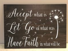 Quotes Christmas Love Pallet Signs New Ideas Wood Pallet Signs, Diy Wood Signs, Pallet Art, Wall Signs, Pallet Boards, Pallet Crafts, Wood Crafts, Inspirational Signs, Chalkboard Art