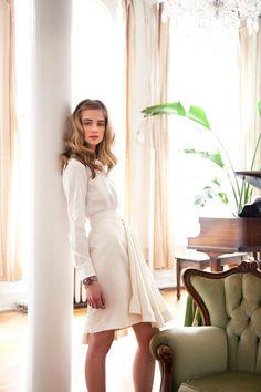 #with a white skirt  white blouse #2dayslook #white fashion #whitestyle  www.2dayslook.com