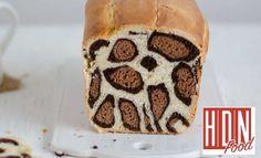 Le style léopard est bien connu dans le milieu vestimentaire. Découvrez le maintenant dans le domaine culinaire… Eh oui vous avez bien lu ! Ce pain comme vous le voyez est aussi bon que bon. Découvrez la recette de ce pain au lait léopard en vidéo que la pâtissière portugaise Patricia Nascimento a accepté de partager avec nous.   Leopard Patches Bread Loaf 豹纹土司 ... #astuces #enfamille #facile