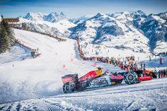いよいよ到来した雪山シーズン。2016年の雪質を確かめるため(?)、マックス・フェルスタッペンが初滑りを敢行した。スキーでもスノーボードでもなく、乗るのは無論F1マシンである。